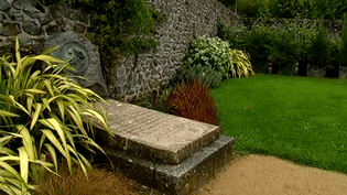 La tombe du Douanier Rousseau à Laval  (France 3)