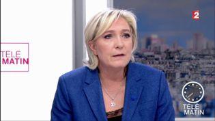 La candidate du Front national, Marine Le Pen, invitée de France 2, vendredi 7 avril. (FRANCE 2 / FRANCEINFO)