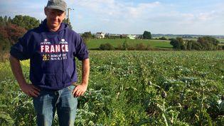 Eric Le Bian,agriculteur installé à Taulé, dans le Finistère, lundi 22 septembre 2014. (CAROLE BELINGARD / FRANCETV INFO )