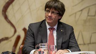 Le président catalan, Carles Puidgemont, lors d'une réunion à Barcelone (Espagne), le 24 octobre 2017. (MIQUEL LLOP / NURPHOTO / AFP)