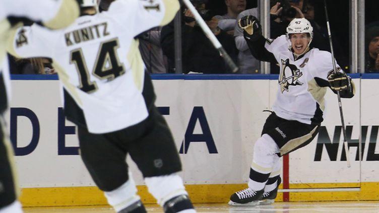 La joie de Sidney Crosby (Pittsburgh Penguins) après son but (BRUCE BENNETT / GETTY IMAGES NORTH AMERICA)