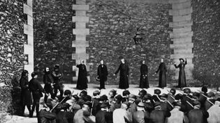 Histoire : autopsie d'un costume au temps de la Commune de Paris (FRANCE 3)