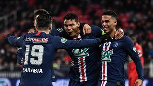 L'équipe du Paris Saint-Germain (PSG) lors des quarts de finale de la Coupe de France face à Dijon au stade Gaston-Gérard à Dijon (Côte-d'Or), le 12 février 2020. (JEFF PACHOUD / AFP)