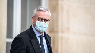 Le ministre de l'Economie, Bruno Le Maire, à la sortie du Conseil des ministres, le 2 décembre 2020. (XOSE BOUZAS / HANS LUCAS / AFP)