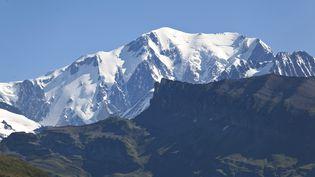 Le Mont-Blanc vu depuis le col du Pré,dans le Beaufortin(Savoie). (PHILIPPE ROY / AFP)