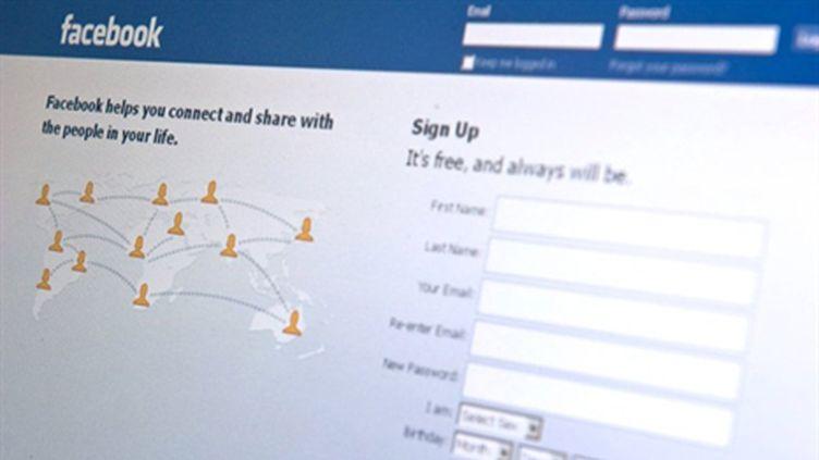 Facebook est le plus grand réseau social au monde, avec 500 millions d'utilisateurs. (AFP - NICHOLAS KAMM)