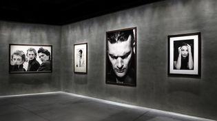 """L'exposition dédiée à Peter Lindbergh""""Heimat. A Sense of Belonging""""rouvre à l'Armani Silos à Milan en Italie (Peter Lindbergh)"""