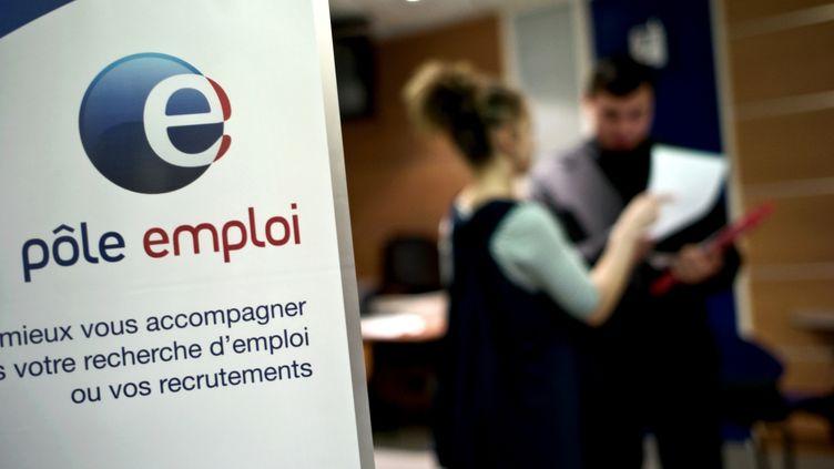 Une agence Pôle emploi le 29 avril 2009 à Dijon (Côte-d'Or). (JEFF PACHOUD / AFP)