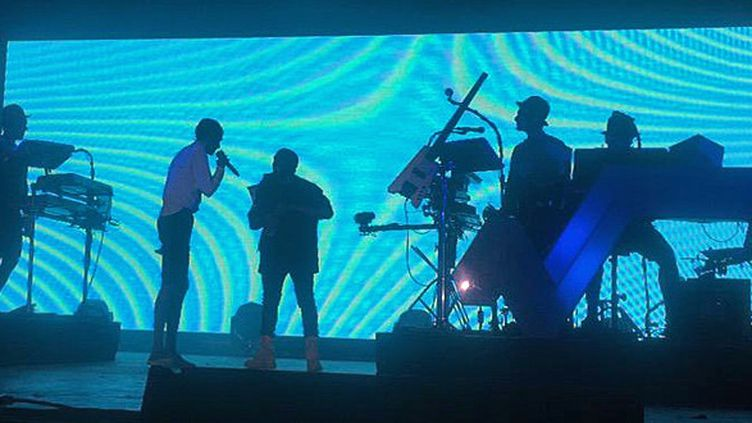 Kanye West rejoint Stromae sur scène à Coachella  (Twitter@nakiessa)