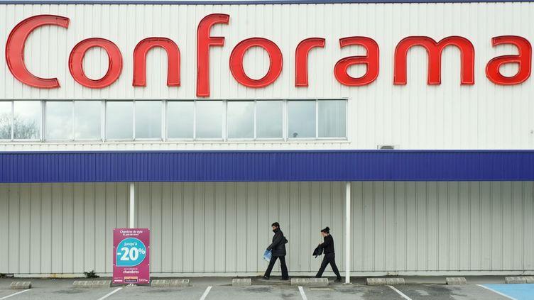 Devant un magasin de l'enseigne Conforama, à Nantes (Loire-Atlantique), le 22 juin 2009. (MAXPPP)