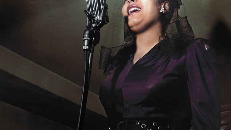 Billie Holiday au night club Ryans en 1942 (Don Peterdon / colorisé par Marina Amaral)