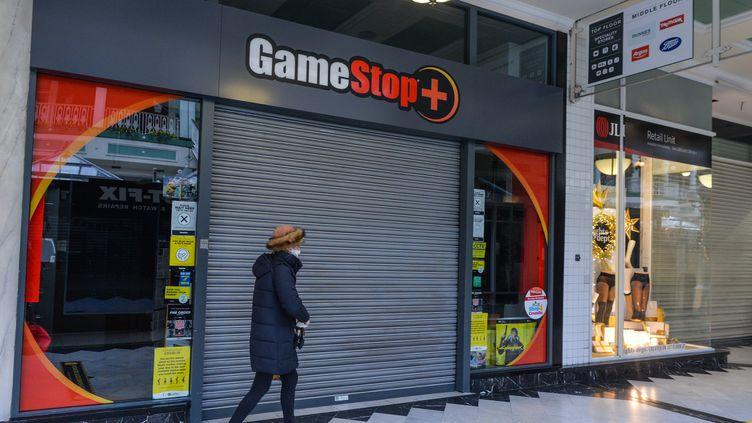 Un magasin de jeux vidéo GameStop à Dublin (Irlande), le 29 janvier 2021. (ARTUR WIDAK / NURPHOTO / AFP)