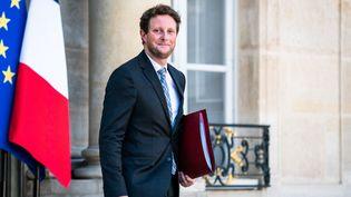 Le secrétaire d'Etat aux Affaires européennes Clément Beaune sortant de l'Elysée, le 8 septembre 2021. (XOSE BOUZAS / HANS LUCAS / AFP)