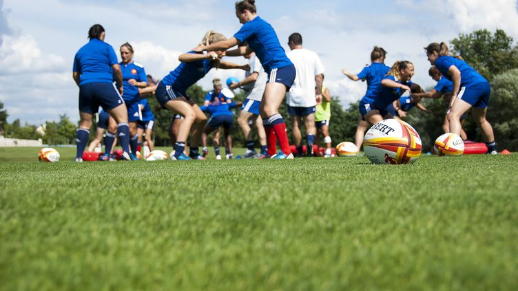 Le XV de France féminin en plein entraînement (CITIZENSIDE/ELENA FUSCO / CITIZENSIDE)