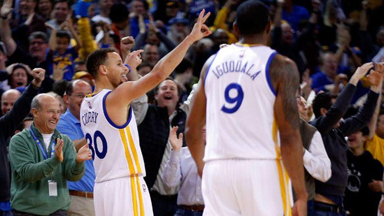 Stephen Curry et Andre Iguodala, deux joueurs des Warriors