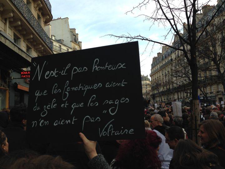 Boulevard Voltaire, à Paris, le 11 janvier 2015. (ILAN CARO / FRANCETV INFO)