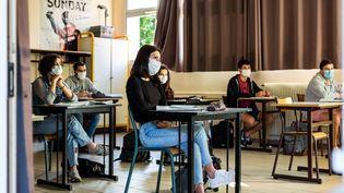 Une salle de classe du lycée Arago à Perpignan (Pyrénées-Orientales), le 10 juin 2020. (JEAN-CHRISTOPHE MILHET / HANS LUCAS / AFP)