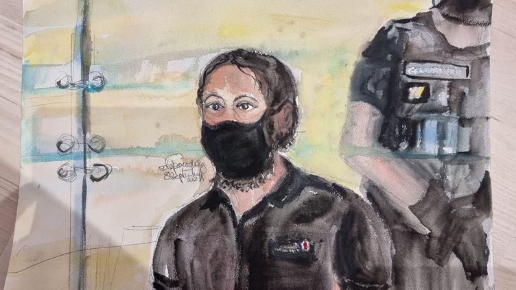 Salah Abdeslam devant la cour d'assises spéciale de Paris, au premier jour du procès des attentats du 13 novembre 2015, le 8 septembre 2021. (ELISABETH DE POURQUERY / FRANCEINFO)