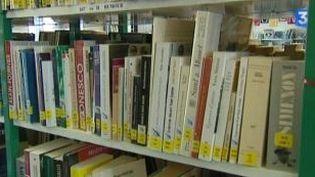 La seconde vie des livres de Bernard Pivot à la Bibliothèque de Quincié-en-Beaujolais  (Culturebox)