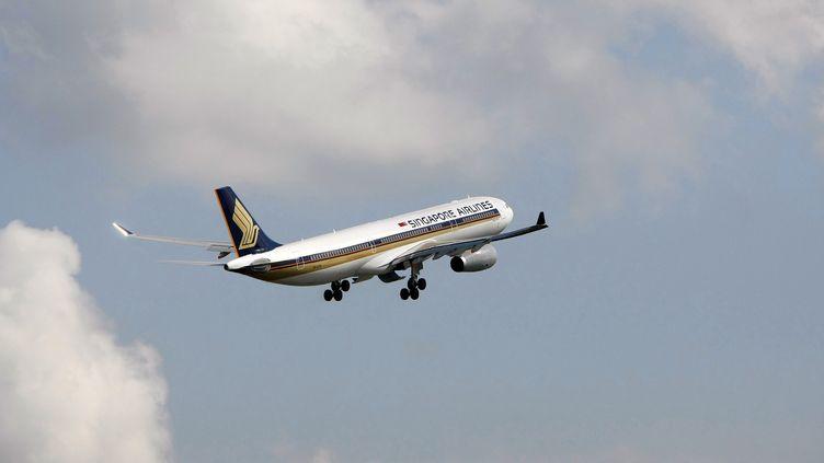 Un Airbus A330 de la Singapore Airlines, le 13 mai 2009. (VIVEK PRAKASH / REUTERS)