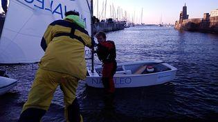 Le jeune Français de 12 ansa mis 14 heures et 21 minutes pourtraverser la Manche. (KATIA LAUTROU / RADIOFRANCE)