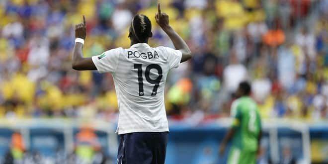 Le milieu de terrain français Paul Pogba après son but contre le Nigéria