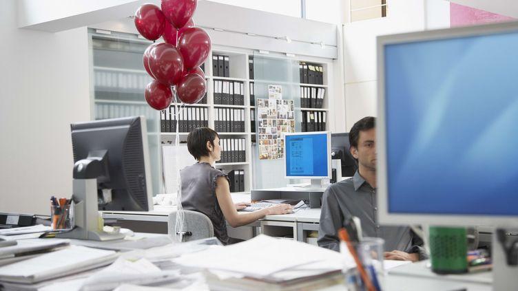 Huit Français sur dix disent avoir plaisir à aller travailler, selon une enquête BVA publiée le 23 mars 2012. (OJO IMAGES / REX / SIPA)