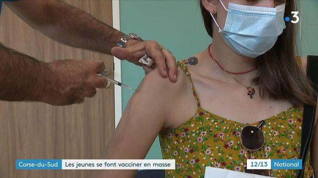 Covid-19 : en Corse, les vaccinations des jeunes sont menées en masse