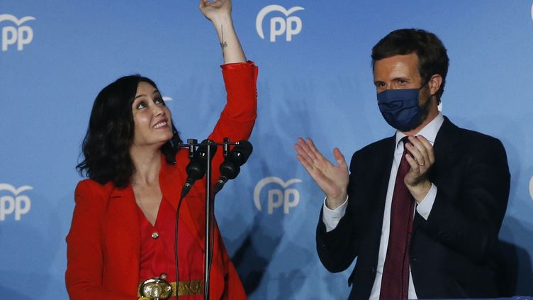 La présidente de la région de Madrid, Isabel Diaz Ayuso, le 4 mai 2021 à Madrid (Espagne). (SENHAN BOLELLI / ANADOLU AGENCY / AFP)