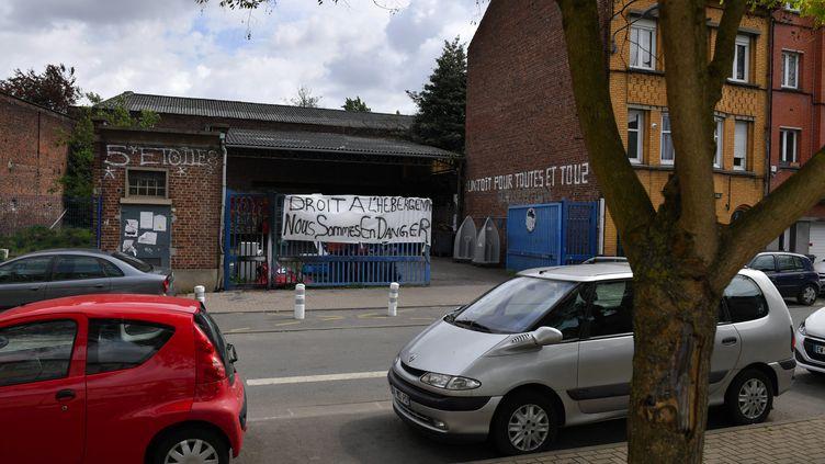 """Le squat """"5 etoiles"""", rue de Valenciennes à Lille le 6 mai 2019. (FLORENT MOREAU / MAXPPP)"""