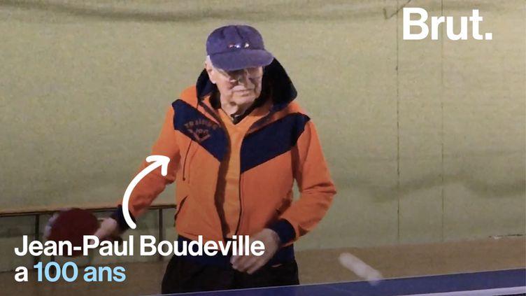 Jean-Paul a créé un club de ping-pong en 1946. Aujourd'hui, il continue de s'y rendre régulièrement pour échanger quelques balles avec ses amis sportifs. (BRUT)