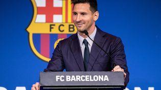 Lionel Messi lors de l'annonce de son départ du FC Barcelone en conférence de presse, au stade du Camp Nou, à Barcelone (Espagne), le 8 août 2021. (MARC GONZALEZ ALOMA / SPAIN DPPI / AFP)