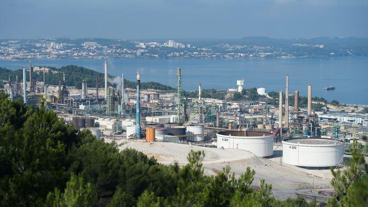 La raffinerie Total de la Mède (Bouches-du-Rhône), reconcertie depuis 2016 dans le biocarburant. (CLEMENT MAHOUDEAU / MAXPPP)