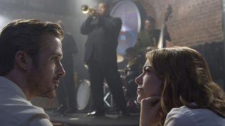 """Ryan Gosling et Emma Stone dans un club de jazz dans """"La La Land"""".  (Copyright SND)"""
