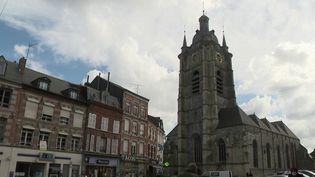 Un incendies'est déclaré dans la collégiale d'Avesnes-sur-Helpe (Nord). (CAPTURE ECRAN FRANCE 2)