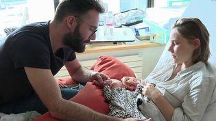 Le congé paternité doublé à partir du 1er juillet (France 2)
