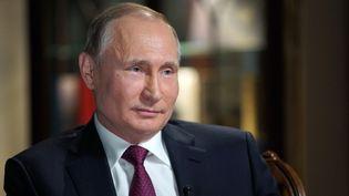 Vladimir Poutine accorde une interview à Moscou (Russie), le 1er mars 2018. (ALEXEI DRUZHININ / SPUTNIK / AFP)