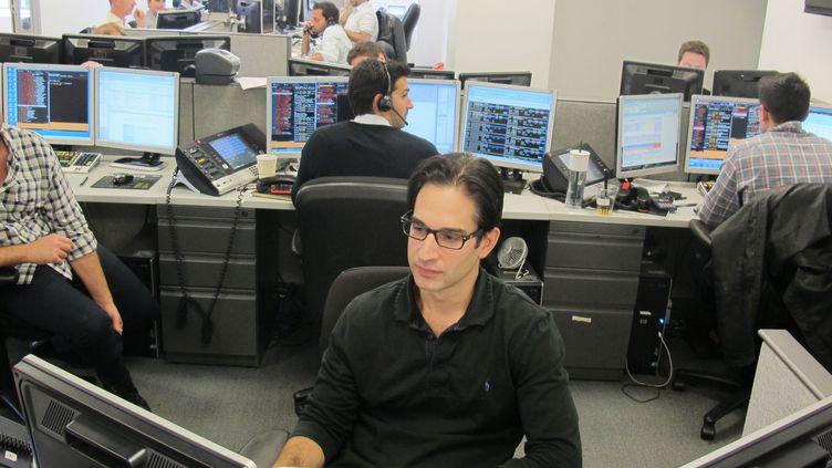 Alan dans les bureaux de sa société de courtage, à New York (Etats-Unis), le 15 octobre 2012. (MARION SOLLETTY / FTVI)