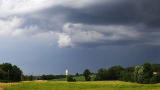 Des orages au nord de Bourg-en-Bresse, l'Ain, le 21 juin 2021. (MAXPPP)