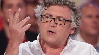 """Michel Onfray en septembre 2015 à """"Vivement Dimanche"""".  (Frédéric Dugit /Photo PQR Le Parisien / MaxPPP)"""