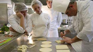 Le métier de cuisinier fait partie des métiers des métiers où les besoins sont nombreux. (MAXPPP)