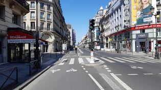 La rue de Rivoli à Paris, lors du premier confinement, en mai 2020. (RÉMI BRANCATO / FRANCE-INTER)