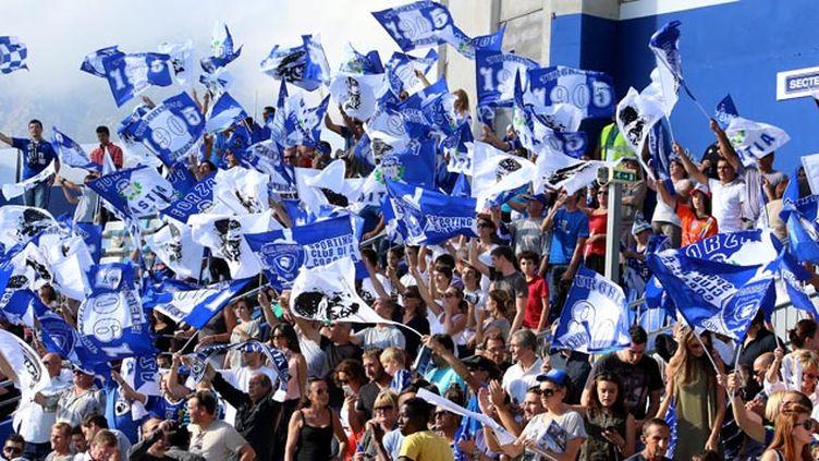 (Les supoorters du SC Bastia pourraient ne pas voir la Ligue 1 la saison prochaine © MaxPPP)