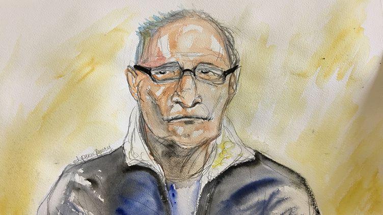 Francis Heaulme lors de la première journée de son procès devant les assises de la Moselle, le 25 avril 2017. (ELISABETH DE POURQUERY / FRANCEINFO)
