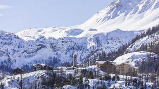 La coulée de neige a traversé des zones skiables de Tignes (Savoie). (JACQUES PIERRE / HEMIS.FR)