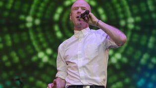 Le chanteur Jimmy Somerville sur la scène d'un festival dédié aux années 80, Scone Palace, Perth, Ecosse, 26 Juillet 2015 (REAA/ZDS/WENN.COM/SIPA / SIPA USA)