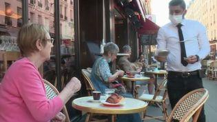 Déconfinement : jour-J pour les cafetiers et restaurateurs (FRANCE 2)