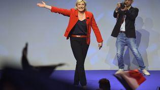 La candidate du Front national, Marine Le Pen, en meeting au Zénith, à Paris, le 17 avril 2017. (ALAIN JOCARD / AFP)
