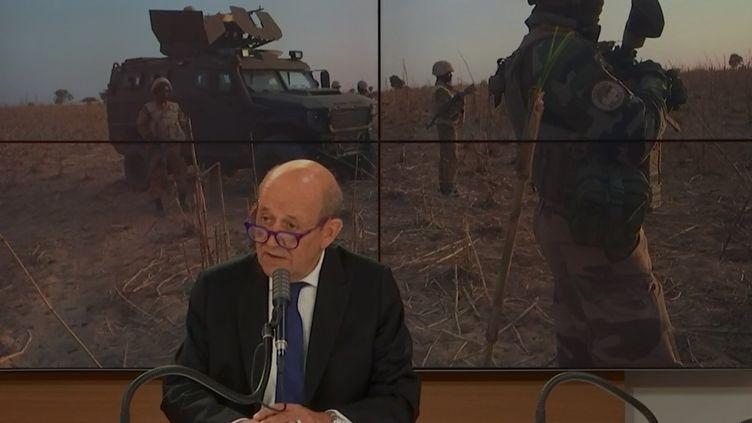 """Le ministre des Affaires étrangères Jean-Yves Le Drian dimanche 6 septembre, dans l'émission """"Questions politiques"""". (RADIOFRANCE)"""