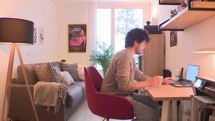 Vie active : Stanislas Guérini propose un prêt de 10 000 euros pour les jeunes de 18 à 25 ans (FRANCE 3)
